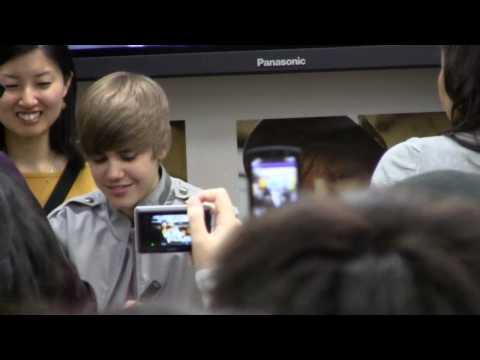 Justin Bieber @ Tower Records Shinjuku, Tokyo on 2010/05/18(2/2)