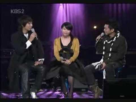 Ye Ji Won singing with Ji Hyun Woo-Paroles Paroles