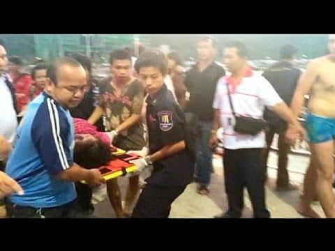Al menos seis muertos al hundirse un ferry en Tailandia