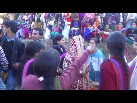 Himachali Dulhan Dance. video