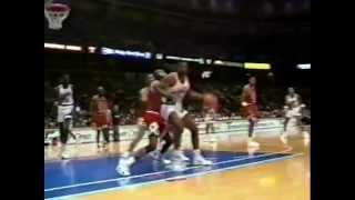 Armen Gilliam (29pts/9rebs) vs. Bulls (1991)