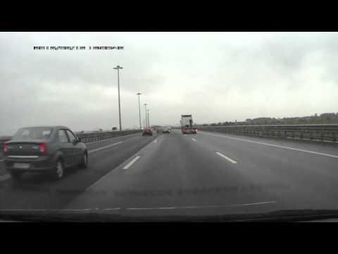 Двойная авария с грузовиком