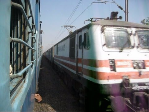 Fastest Train Of India Wap-5 Bhopal Shatabdi Now 17 Coacher Crosses Wap-7 Chattisgarh Express !!! video