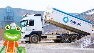 Gecko and the Tipping Truck | Gecko's Real Vehicles | Construction Trucks For Children