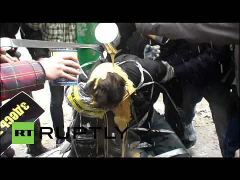 Russia: Young Vigilantes Take On Spice Dealers With Paint And Feathers video