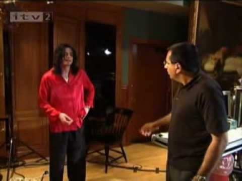 Michael Jackson Teaching Moon Walk