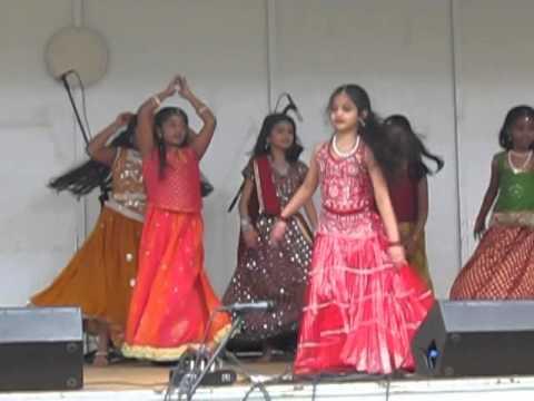 Dhol Baje Diya Performance video