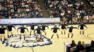 UConn Women's Basketball Team Dances at First Night