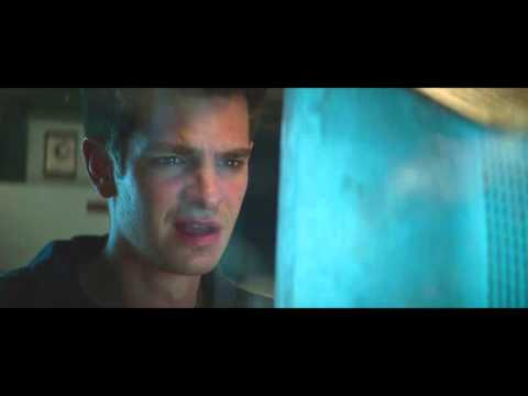 Andrew Garfield reacts to the new Spider Man