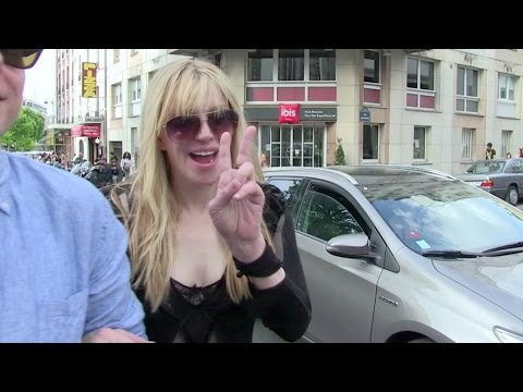 EXCLUSIVE - Courtney Love still love France despite her recent problems with French cab drivers