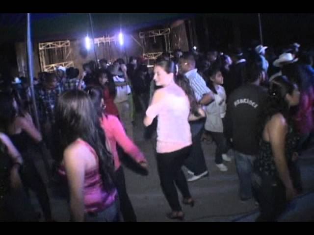 Super chilenas-Bailes-San Agustin Atenango 2011...Al estilo de Los Unicos de Atenango.