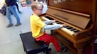 Top 5 AMAZING KIDS Piano Street Performances Videos    AWESOME
