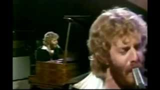 Watch Andrew Gold Lonely Boy video