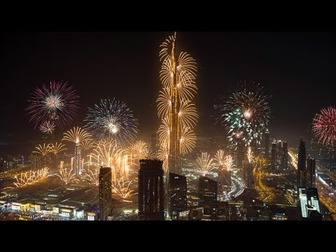 Dubai New Year's Fireworks 2017 (4K)