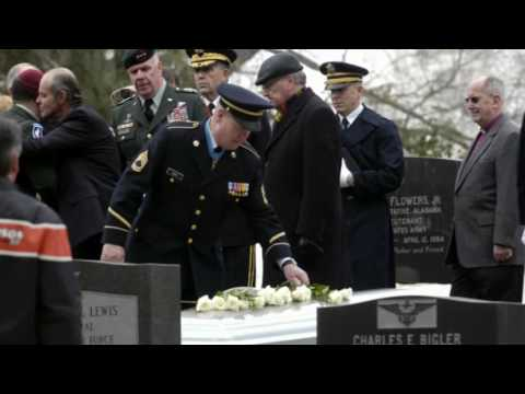 Col Robert L Howard Sr - Funeral at Arlington Nat'l. Cemetery