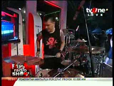 Deadsquad radioshow tvone - Metallica & Slayer Cover 2012 04 27 00 46 26.mp4 video