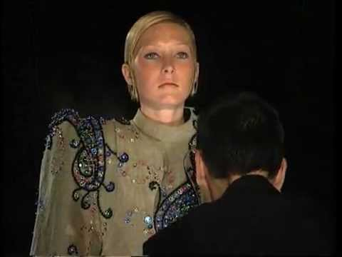 Viktor & Rolf Fall 1999 Haute Couture Fashion Show (full)