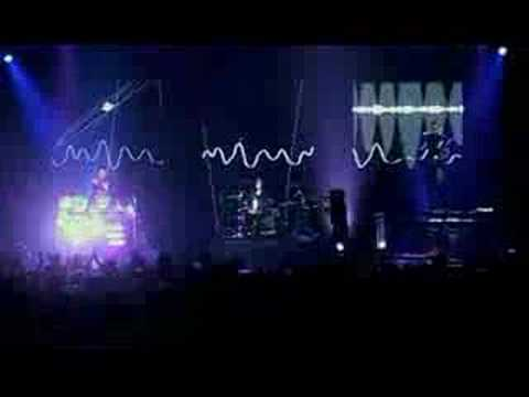 Muse: Endlessly (live@Wembley 2003) Video