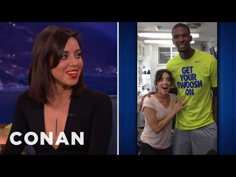 Aubrey Plaza's Awkward Chris Bosh Encounter video