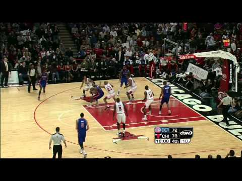 HD   Derrick Rose With The Amazing Alley Oop Dunk Vs Detroit Pistons   January 10th 2011 720p