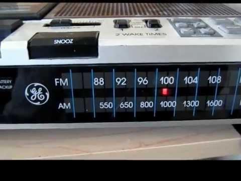 GE Vintage AM FM Cassette Radio Recorder Alarm Clock