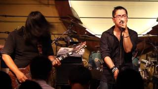 The Acoustic Bar  Saigon city Vietnam    part 1  year 2010