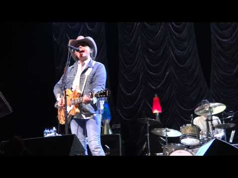 Dwight Yoakam: Dim Lights Thick Smoke (and Loud Loud Music)...
