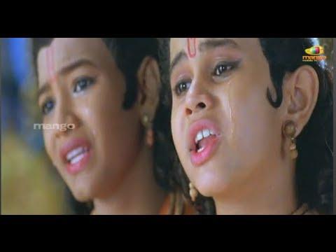 Sri Rama Rajyam movie scenes - Lava Kusa singing to Kaushalya - Bala Krishna, Nayantara