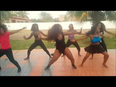 Marllen ensaia Sarangane com as meninas #2018