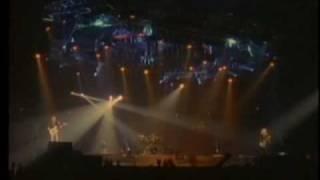 Watch Def Leppard Run Riot video