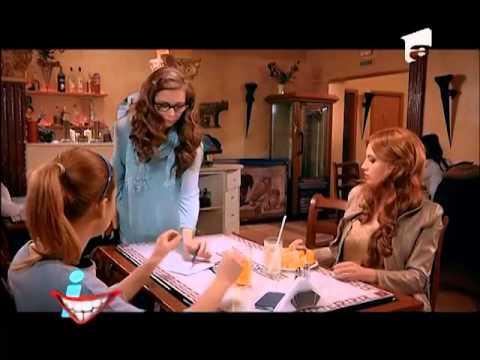 Simona Halep, faţă în faţă cu Bianca Drăguşanu! Cine credeţi că a dat mai multe autografe?