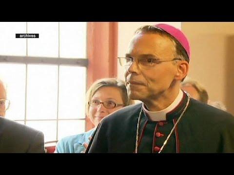 Diocesi di lusso e rimborsi gonfiati. Il vescovo spendaccione dal Papa