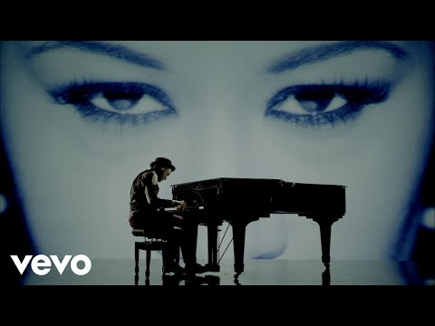 Labrinth - Beneath Your Beautiful Ft. Emeli Sandé video