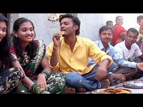Marathi Song Milind Shinde - Gyanva Nhaylay Upashi - Rati Barala...