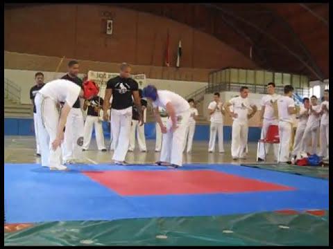 Capoeira Topazio Fight PICACHU vs GARGA