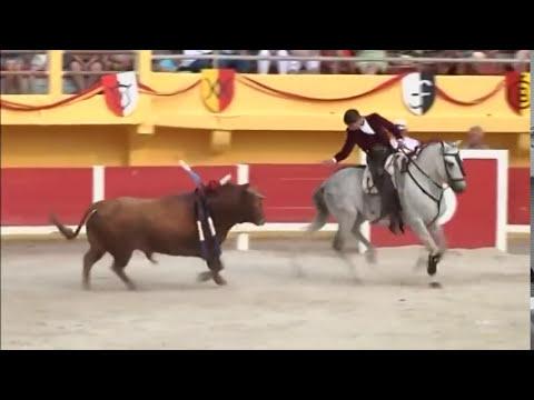 Léa Vicens, torera à cheval (Saintes-Maries-de-la-Mer)