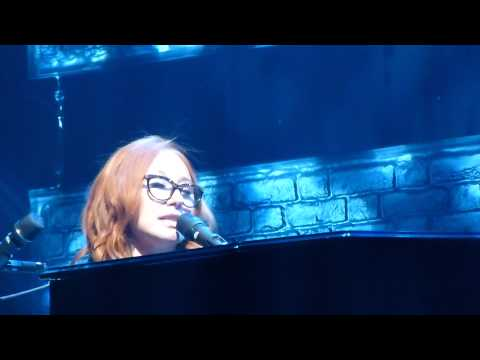 Tori Amos - black Dove (january) - Live  Beacon Theatre, Nyc - 8 13 2014 video