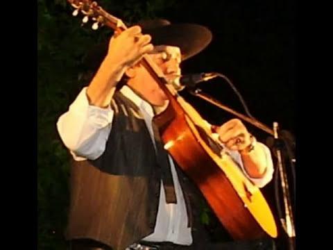 Carlos Ramon Fernandez - Perro Lobo