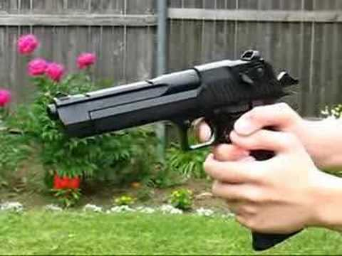 Desert Eagle CO2 airsoft pistol Video