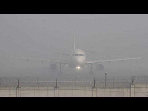 Fog Delays Delhi Flights - Watch Exclusive