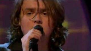 Клип Keane - We Might As Well Be Strangers (live)