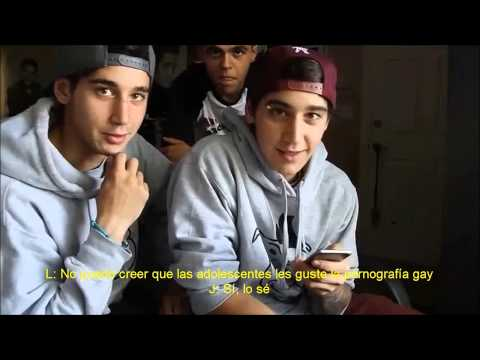 Twin Talk Time - Twins Read Fanfiction (subtitulado al español)