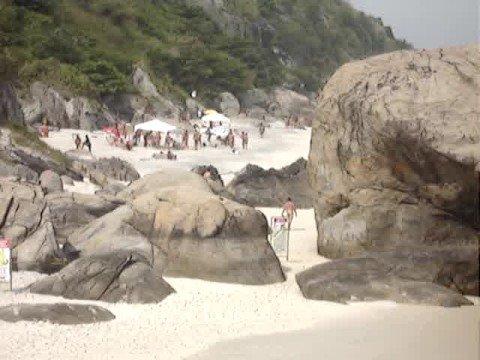 marcelão na praia de nudismo