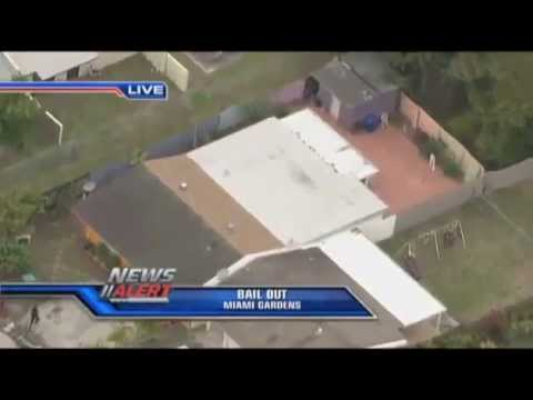 Miami Police Chase Ends In Foot Pursuit Burglary Suspects LIVE News mp4