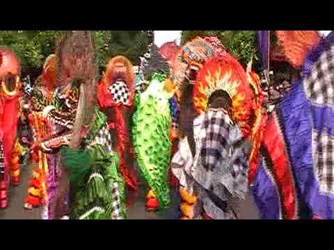 Traditional art from Indonesia Kolosal 1000 Barong @Simpang Lima Gumul, Kediri 23/07/2017