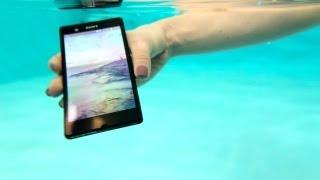 Sony Xperia Z под водой в обзоре Digital.ru