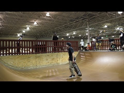 Derek Acosta hardflip into Modern mini