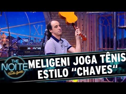 """The Noite (04/05/16) - Fernando Meligeni joga tênis estilo """"Chaves"""" com Danilo"""