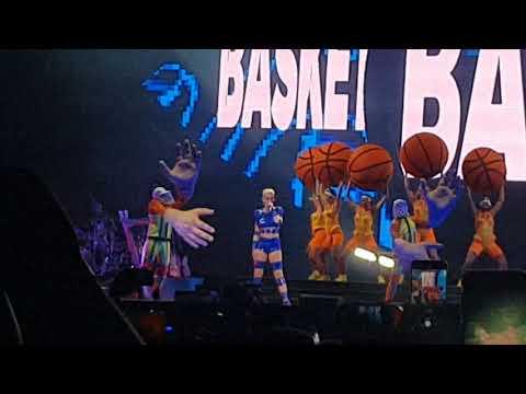 Gretchen no show da Katy Perry em São Paulo thumbnail