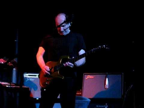 Adrian Belew guitar solo